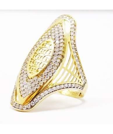 Sárga arany, mutatós,áttört, köves gyűrű