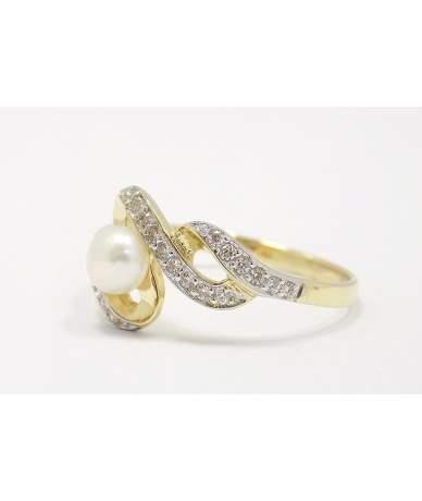 Arany köves, gyöngyös gyűrű