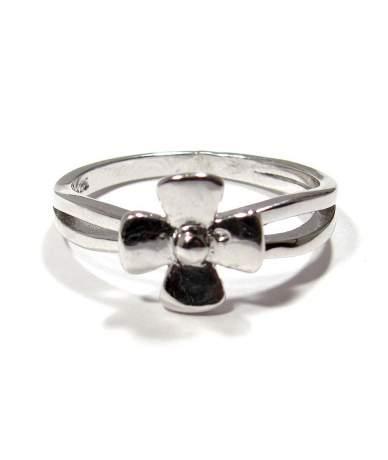 Ezüst női gyűrű virág alakú fejrésszel