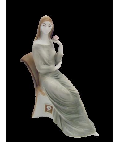 Zsolnay Porzellan Figur