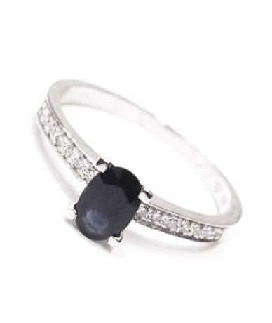 Valódi köves gyűrű