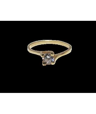Arany egyköves női gyűrű.