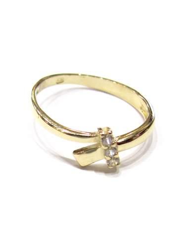 Arany gyűrű 3 pici kővel.