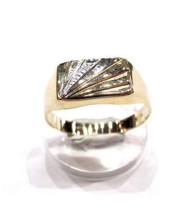 Férfi arany pecsétgyűrű.