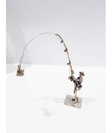 Ezüst horgász figura