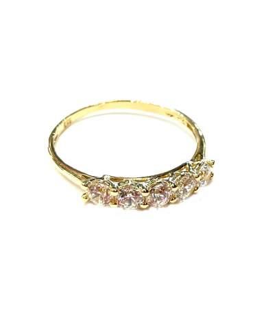 Arany gyűrű fehér köves