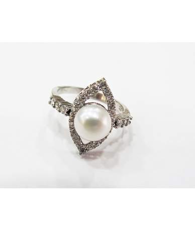Ródiumozott ezüst gyűrű tenyésztett gyönggyel